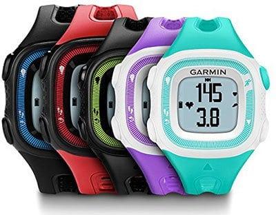 Ci sono due versioni di questo GPS da polso Garmin Forerunner 15, c'è quella maschile e quella femminile, con dimensioni diversificate e colori differenti